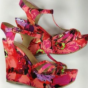 🌼Multicolor Floral Wedged Sandals🌼